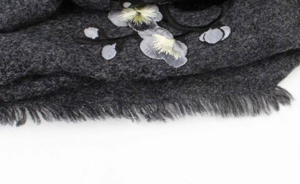 """Sjaal """"Geborduurde Japanse rozen"""" grijs - Indini"""