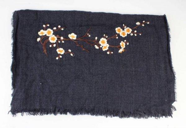"""Sjaal """"Geborduurde Japanse rozen"""" blauw - Indini"""