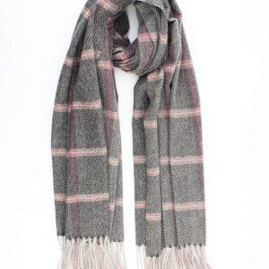 """Sjaal """"Louane"""" zwart is visgraat geweven sjaal met roze accent."""