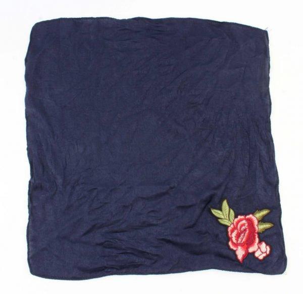 """Sjaal """"Roos"""" geborduurd blauw -"""